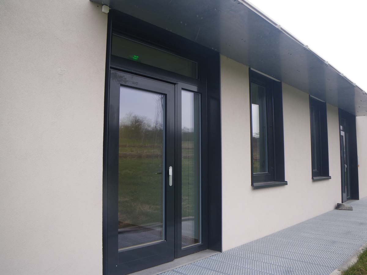 Porte et fenêtre en bois et alu